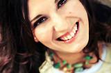 Naly Serra una promesa musical con garra de artista